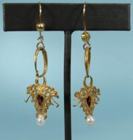 Byzantine Gold and Garnet Earrings